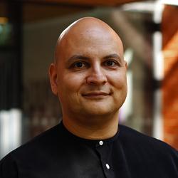 Dr Oliver Angerer