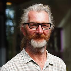 Dr Simon Bowes